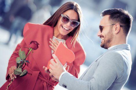 Cómo hacer una amarre de amor para siempre
